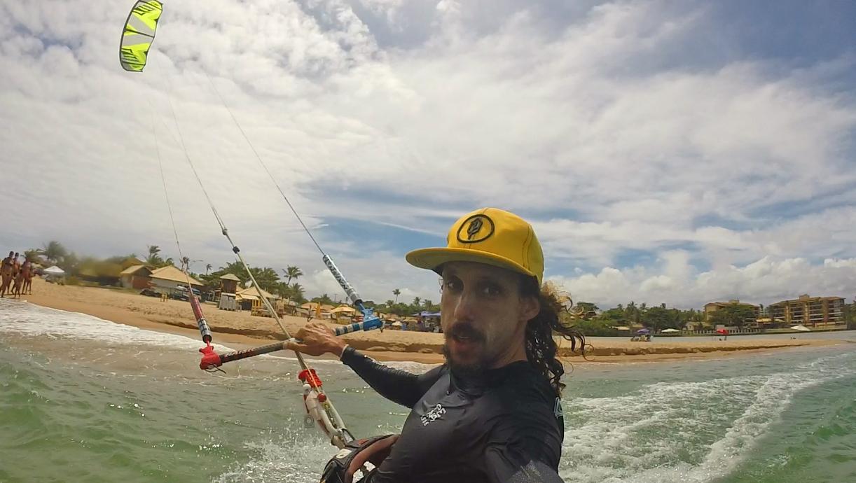 Kitesurf na Praia de Buraquinho